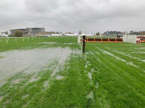 Ματαιώθηκαν λόγω καιρού οι αυριανές ιπποδρομίες στο Cheltenham